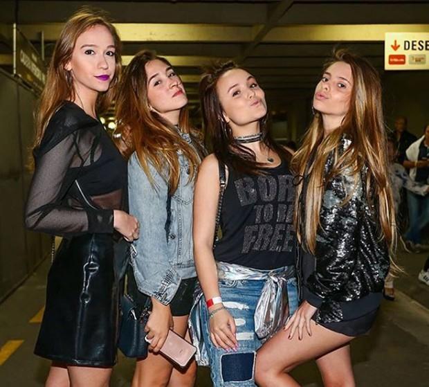 Larissa Manoela e amigas (Foto: Reprodução/Instagram)