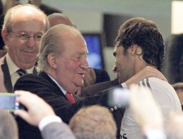Rei Juan Carlos e  Raul Real Madrid (Foto: Agência EFE)