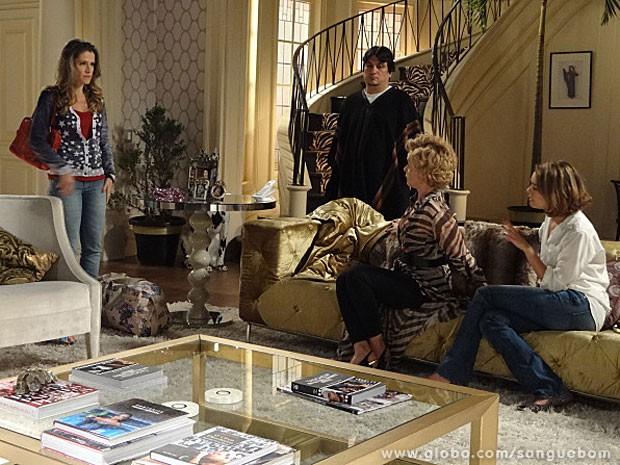 Tina diz que vai embora da mansão (Foto: Sangue Bom / TV Globo)