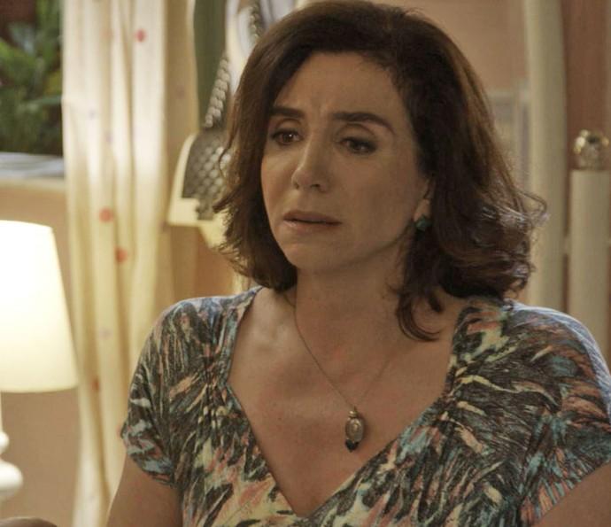 'Sei que a gente tem uma relação complicada, mas sou sua mãe', diz Francesca (Foto: TV Globo)