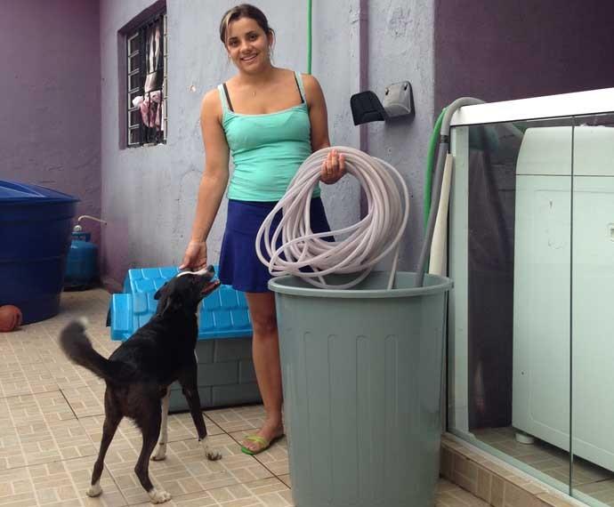 Camila Silva Marques comprou caixa para armazenar água da chuva