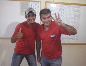 O botafoguense Said Dourado, de 52 anos e o vascaíno Dhyego Santos, de 24  (Foto: Rogério Aderbal)