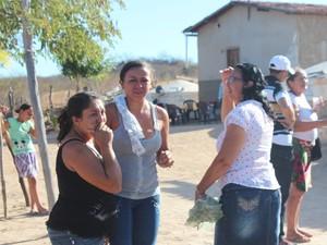 Familiares das vítimas de chacina no Piauí se mostram abalados com crime (Foto: Ellyo Teixeira/G1)