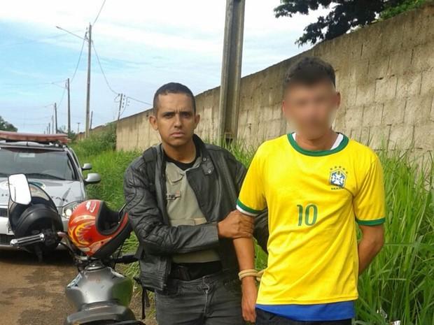 Servente suspeito de sete estupros foi preso pela Polícia Militar em Goiânia (Foto: Divulgação/PM)