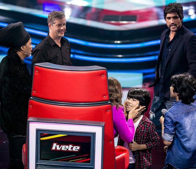 Dupla Enzo e Eder encantam técnicos do The Voice Kids (Foto: Isabella/Gshow)