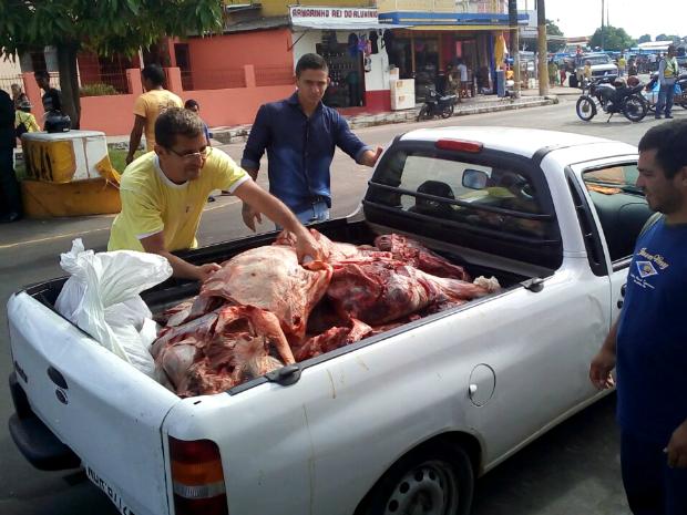 Carne foi apreendida em açougue e mercado de Parintins (Foto: Divulgação/Prefeitura de Parintins)