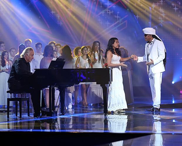Pai e filha no palco do The Voice (Foto: Isabella Pinheiro/Gshow)