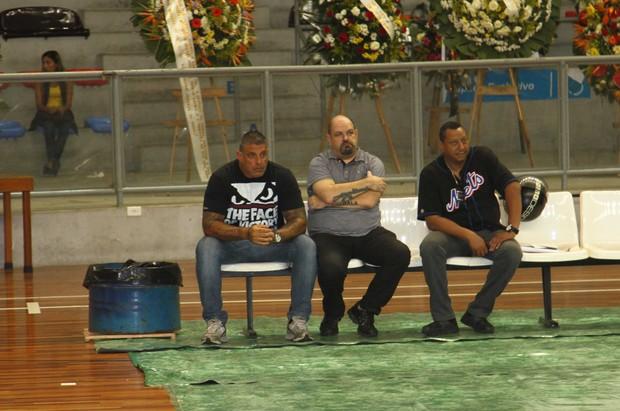 Alexandre Frota no velório de Chorão em Santos, São Paulo (Foto: Thiago Duran/ Ag. News)