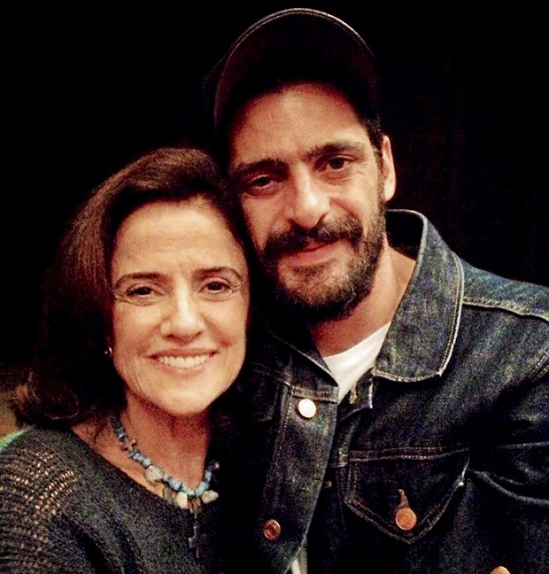 Com Marieta após a peça Incêndios (Foto:  )