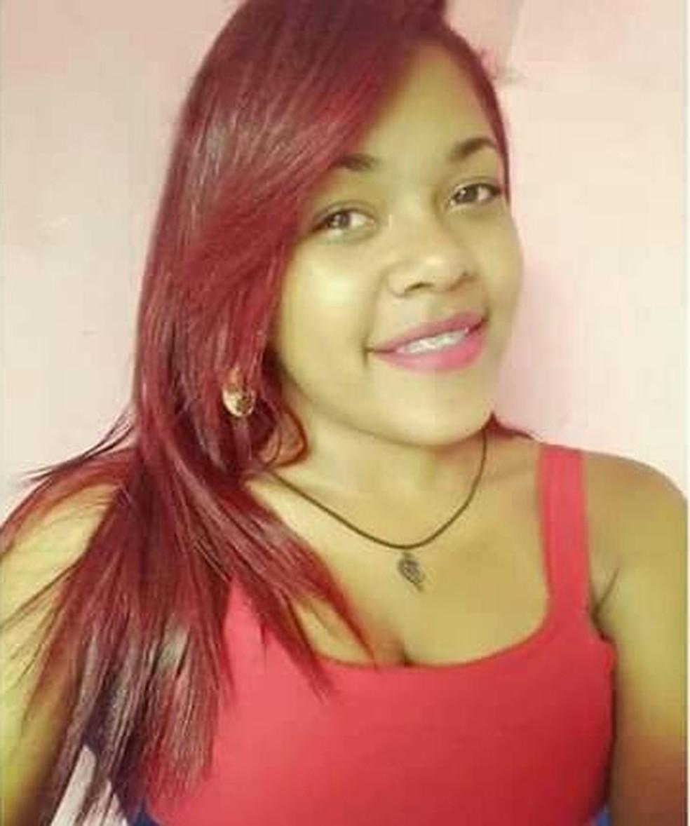 Garota de 16 anos foi morta a tiros durante ataque em Natal (Foto: Facebook)
