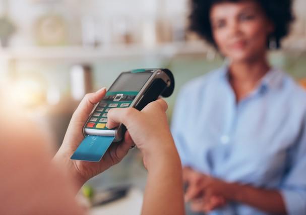Novas regras do cartão de crédito começam a valer nesta segunda, 3 (Foto: Thinkstock)
