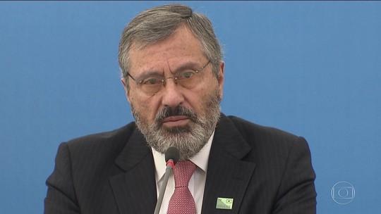 Troca de ministro surpreende aliados; oposição vê risco a investigações