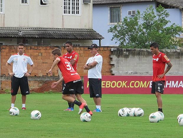 Adryan treino Flamengo (Foto: Richard Souza / Globoesporte.com)