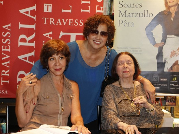 Sandra PÊra, Claudia Jimenez e Nélida Piñon em livraria no Rio (Foto: Marcos Ferreira/ Brazil News)