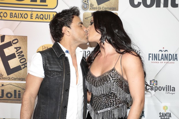 Zezé Di Camargo e Graciele Lacerda (Foto: Rafael Cusato/BrazilNews)