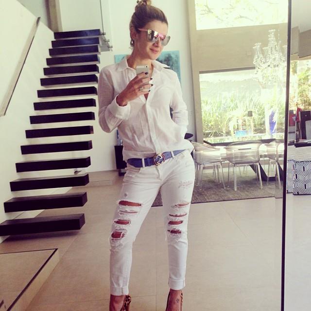 EGO - Luciana Gimenez usa vestido com transparência e sensualiza para foto - notícias de Famosos