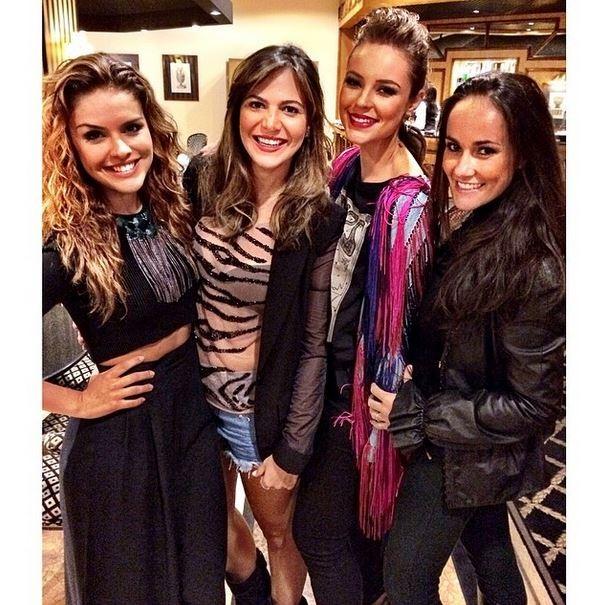 Paloma Bernardes, Carol Sampaio, Paola Oliveira  e a Francisca no  Rock in Rio Lisboa (Foto: Instagram / Reprodução)