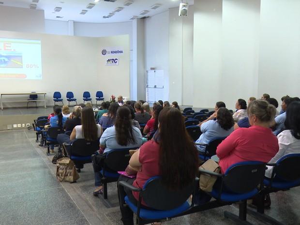 Capacitação dos profissionais foi realizada nesta segunda, 31 (Foto: Rede Amazônica/ Reprodução)