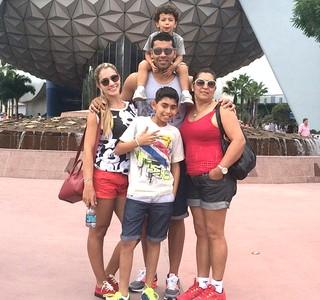André Santos na Disney (Foto: Reprodução / Instagram)