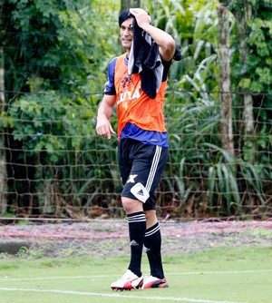 Gonzalez flamengo treino (Foto: Ivo Gonzalez / O Globo)