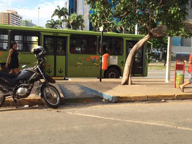 Frota de ônibus circula normalmente em São Luís (MA) neste sábado (21) (Foto: Roberto Fernandes/Mirante AM)
