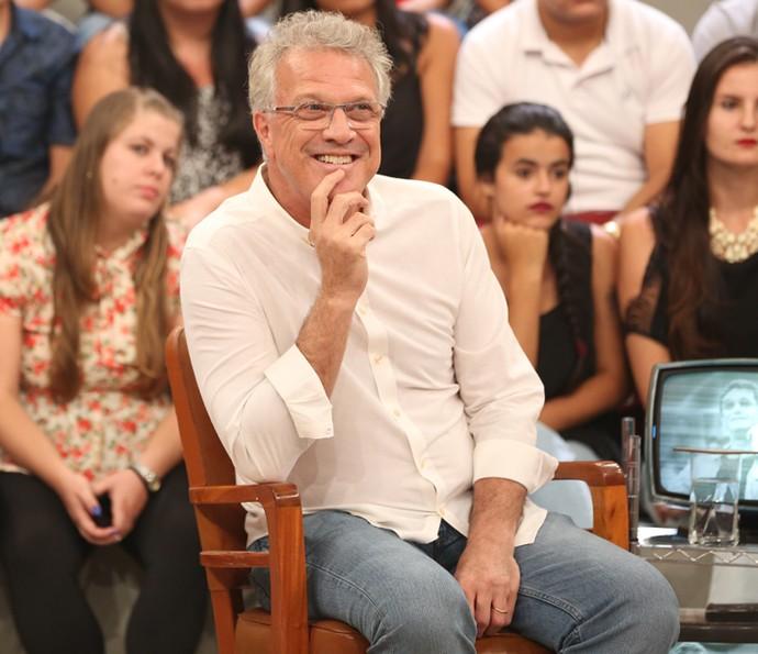 Pedro Bial se diverte em gravação do Altas Horas (Foto: Carol Caminha/Gshow)