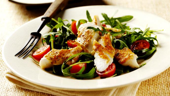 bacalhau com salada euatleta alimentação (Foto: Getty Images)