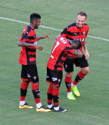 Marinho; Vitória; São Paulo; Barradão; Zé Love (Foto: Marcelo Hazan)