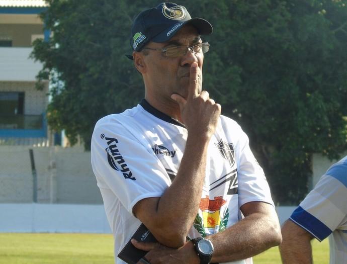 Luiz Antônio Ferreira, técnico do Atlético-ES (Foto: Wildson Lesqueves/C.A. Itapemirim)