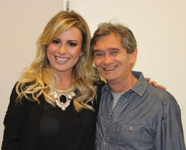 Fernanda encontra Serginho antes do programa Altas Horas (Foto: TV Globo/Altas Horas)