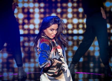 Anitta canta 'Bang' e capricha na dança no 'Tamanho Família'
