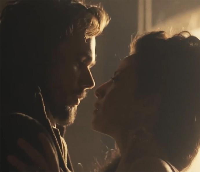 'Liberdade, Liberdade' também terá cenas de romance de tirar o fôlego do público (Foto: TV Globo)