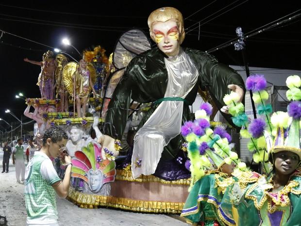 Escola UVA animou o carnaval de Rio Claro (Foto: André Miranda/O Jornal)