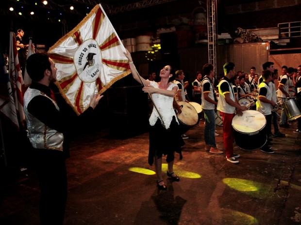 """A Unidos do Herval apresentou o tema """"A Unidos é o vento que levanta a poeira do chão"""" (Foto: LIESJHO/Divulgação)"""