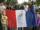 Homenagens às vítimas de atentados em Paris marcam o domingo no Brasil