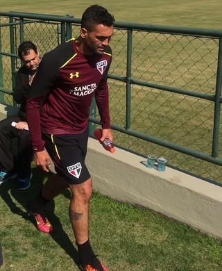 Gilberto torceu o tornozelo no treino desta quinta-feira e virou dúvida para pegar a Chape
