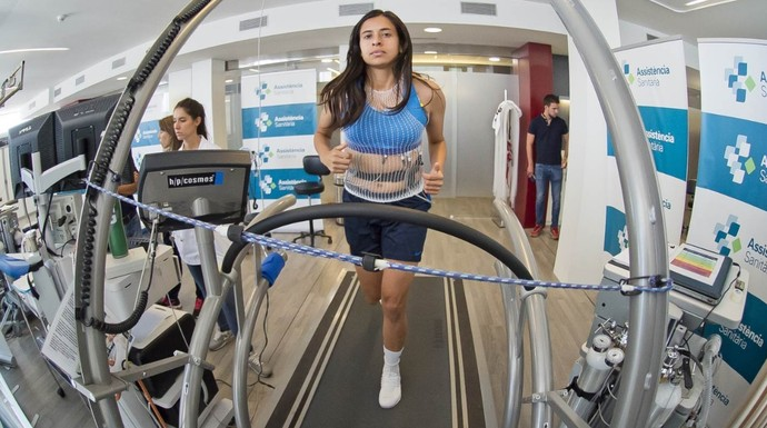 Andressa Alves foi aprovada nos exames médicos (Foto: Victor Salgado/ FCB)