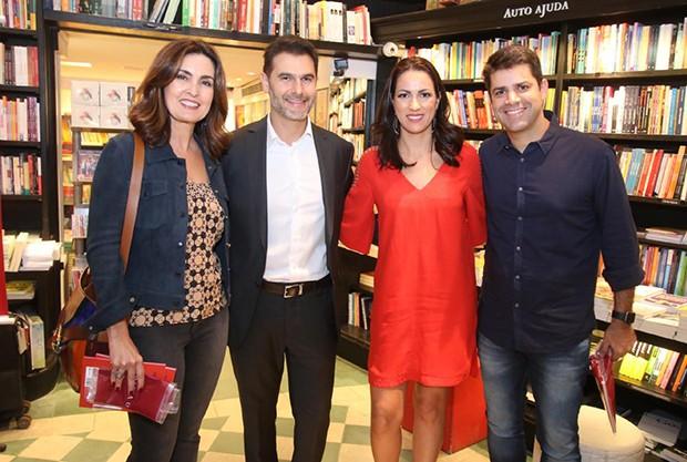 Fátima Bernardes, Dr Fernando Gomes Pinto, Flavia Gomes e Lair Rennó (Foto: AgNews)