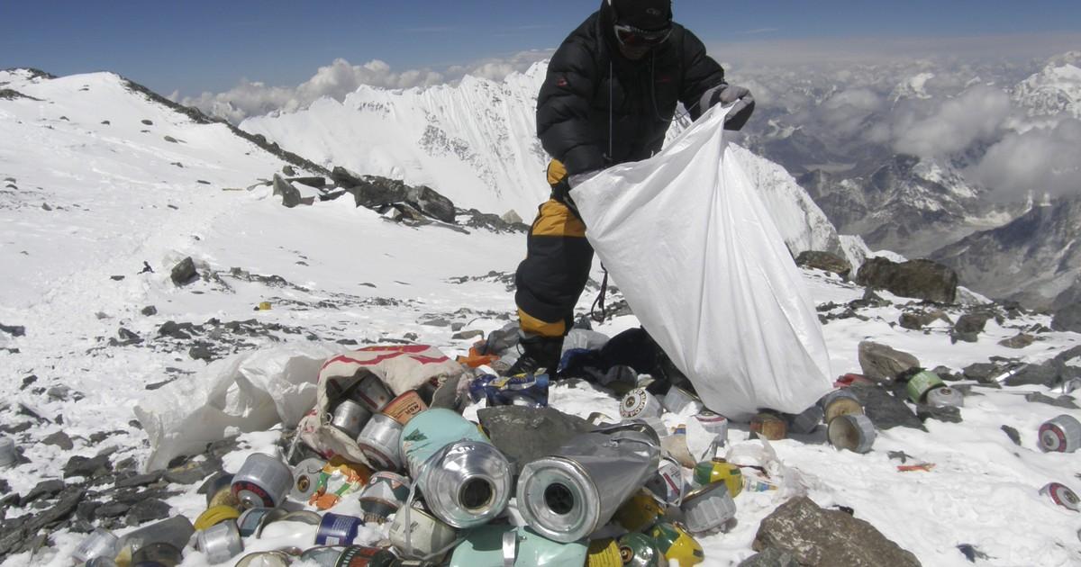 Excrementos de alpinistas no Everest contaminam monte mais alto da Terra