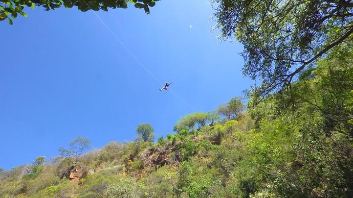 Rapel guiado na serra de Luís Gomes (Foto: Sérgio Luis - Rota Inter TV)