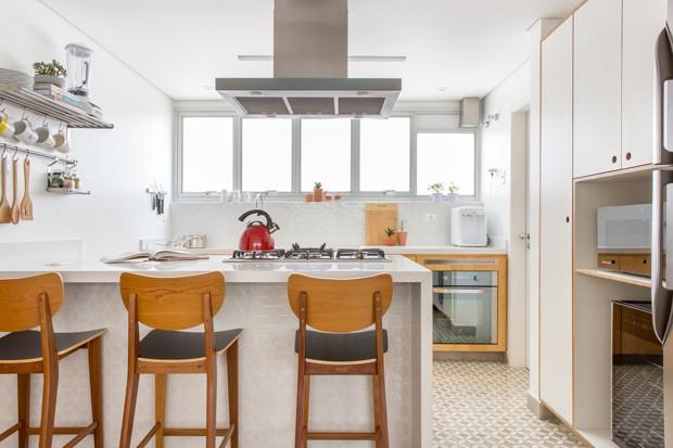 Aparador Loja Gato Preto ~ Após reforma, apartamento dos anos 1970 ganha estilo escandinavo Casa e Jardim Decoraç u00e3o