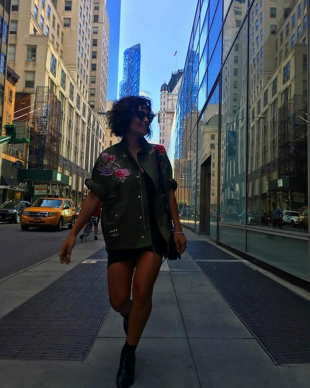 Juliana Paes posa estilosa em Nova York (Foto: Reprodução/Instagram)