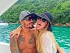 Ex-BBB Aline posta nova foto grudadinha em Fernando