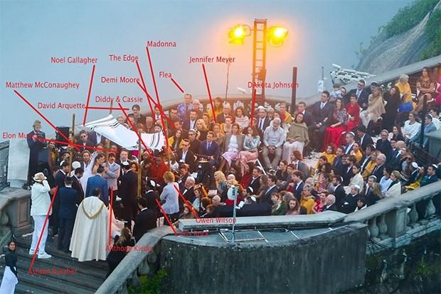 Famosos em cerimônia de casamento de Guy Oseary e Michelle Alves no Cristo Redentor (Foto: AgNews)