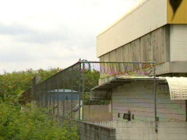 Muro da Fundação Casa que foi alvo de fuga em Sorocaba (Foto: Reprodução/TV Tem)