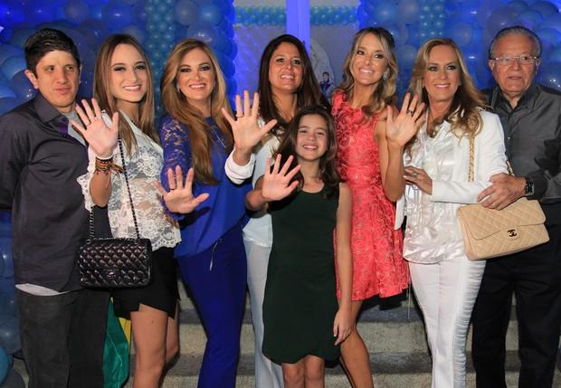 Família Pinheiro na festa de 5 anso de Rafaella Justus (Foto: Celso Tavares/EGO)