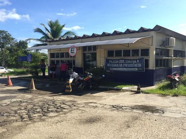 Caso foi registrado na delegacia de Itabuna  (Foto: Francisco Lopes / TV Bahia)