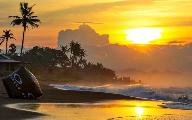 surfe Bali adiamento (Foto: ASP)