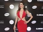 Luciana Gimenez usa look superdecotado: 'Vestido bafo!'