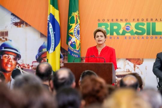 Presidente Dilma Rousseff durante cerimônia de anúncio da nova etapa do Programa de Investimento em Logística.  (Foto: Roberto Stuckert Filho/PR)